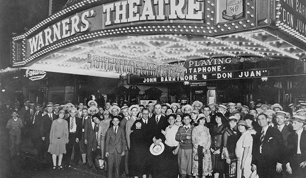Opening night crowd waiting to see Don Juan (1926).
