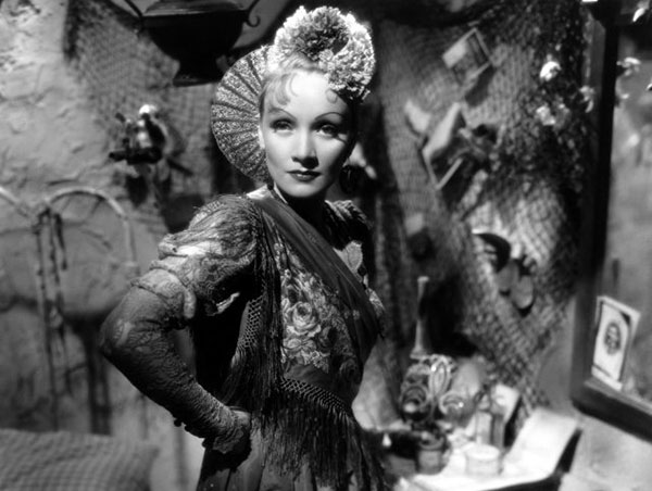 Marlene Dietrich mocks the patriarchy in Josef von Sternberg's The Devil is a Woman